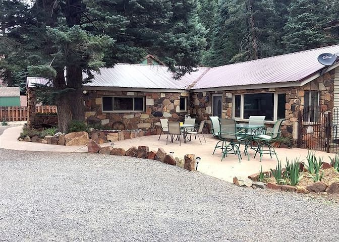 Remodeled Custom Home-3 Minutes to Downtown Ouray