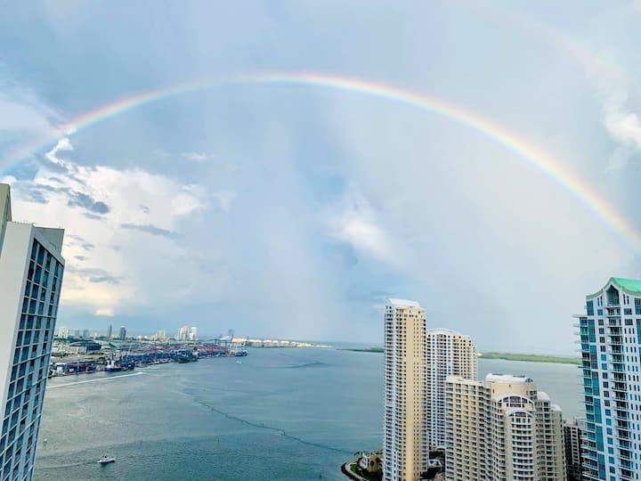 Condo in the SKY in the heart of Miami <3