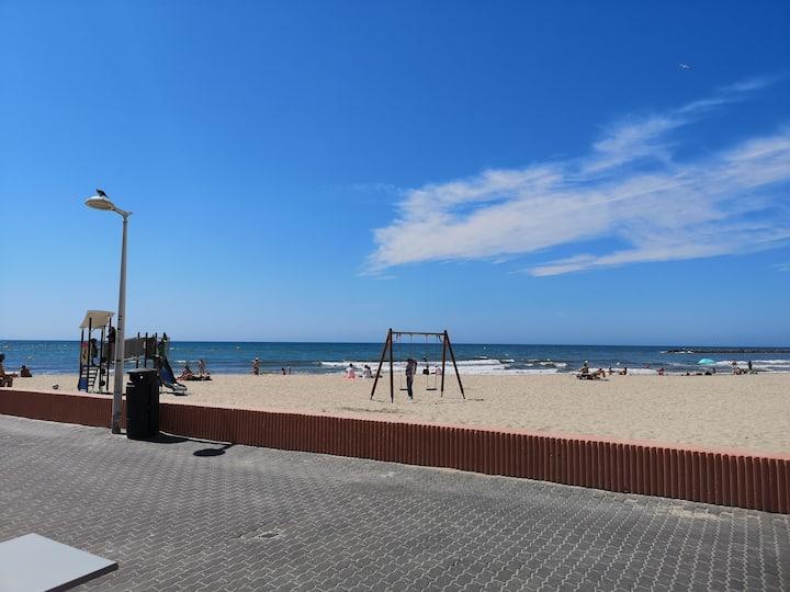 Studio à 50m de la plage