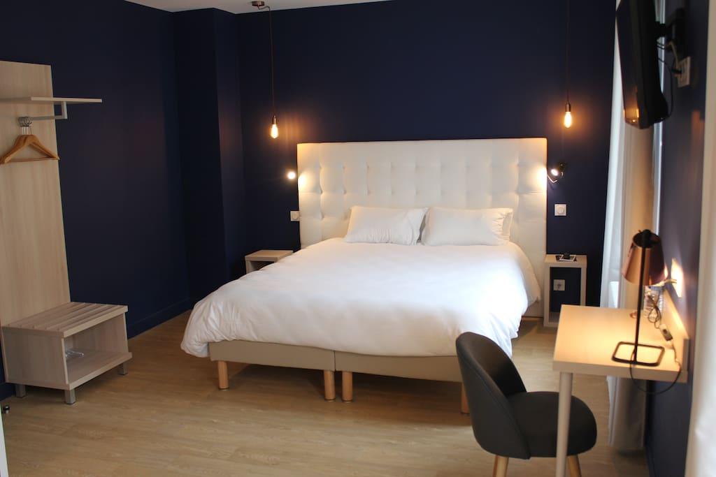 chambre familialle boutique h tel caen centre h tels louer caen basse normandie france. Black Bedroom Furniture Sets. Home Design Ideas