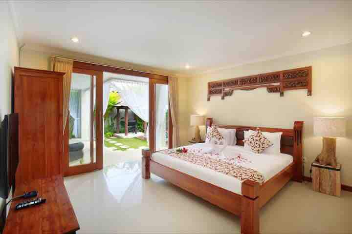 -2BR- Moon  VillaSeminyak Privat Pool