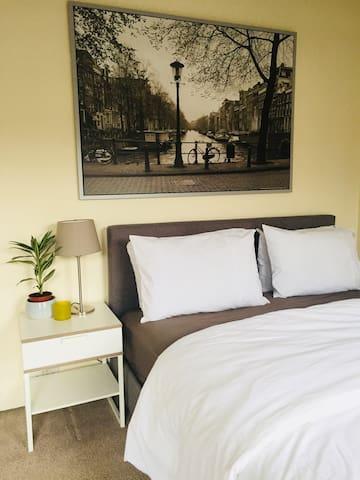 Bed, bedside table