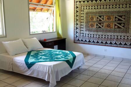 Chambre double spacieuse proche lagon - Puna'auia - Rumah