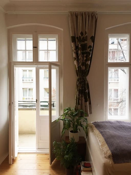 Bedroom – balcony