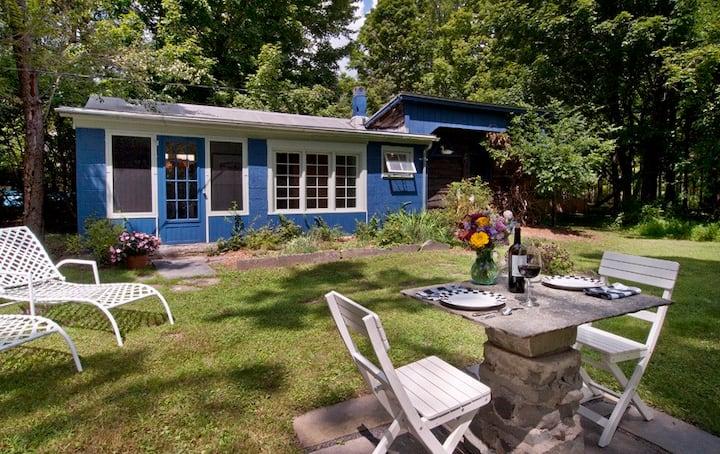 Rock City Writer's Studio: bucolic•sauna•walkable!