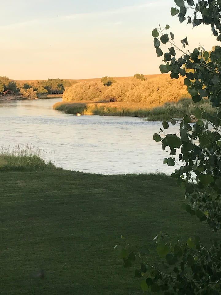 Solar Eclipse RV spots on the river- full hookup!