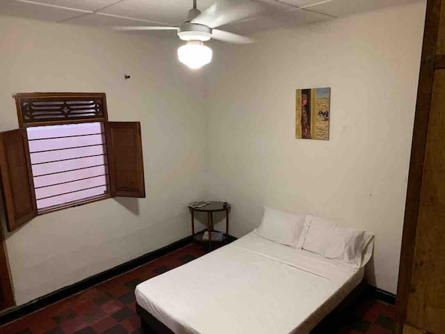 Suite/AC/private entrance & bathroom/wifi/smart tv