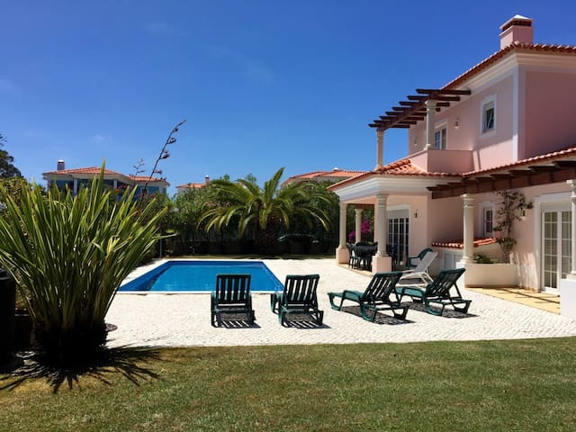 Sunny villa at Praia del Rey, large pool & garden - Amoreira - Villa