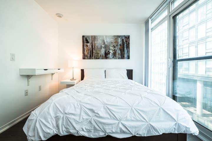 Suite Queen West Abode