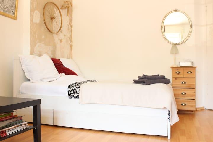 schönes Zimmer/nice Room in Pankow/Prenzlauer Berg