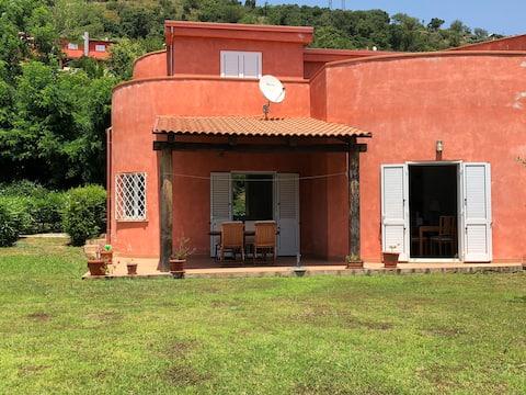 Spacious villa, stunning views & infinity pool
