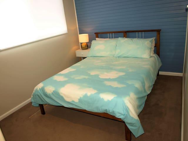 Bedroom 2: Double