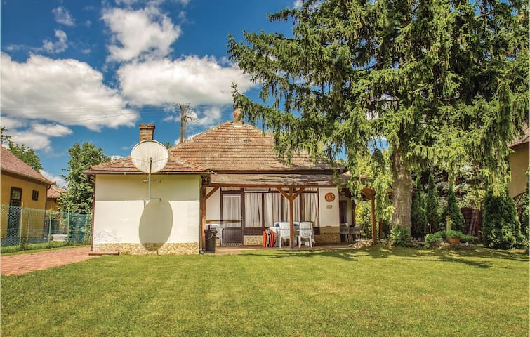 Holiday cottage with 2 bedrooms on 95m² in Balatonmáriafürdö