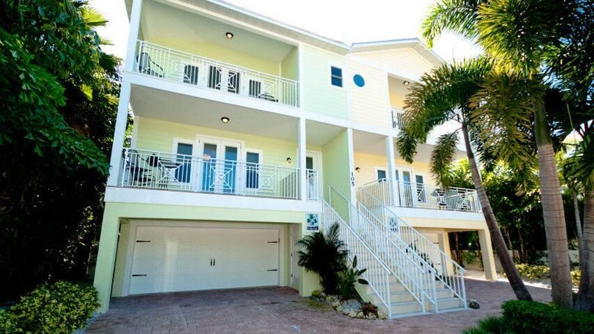 Casa Playa East - 105 4th St S - Bradenton Beach - House