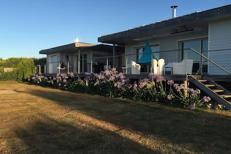 Villa de bord de mer,  piscine et spa - Treffiagat - Villa