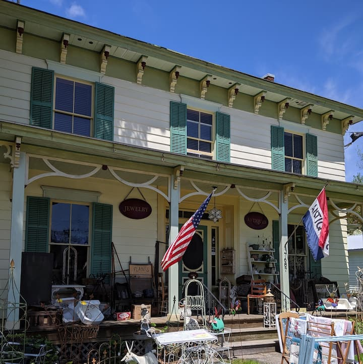 Cooperstown Area 2 Bedroom Glimmerglass GuestHouse