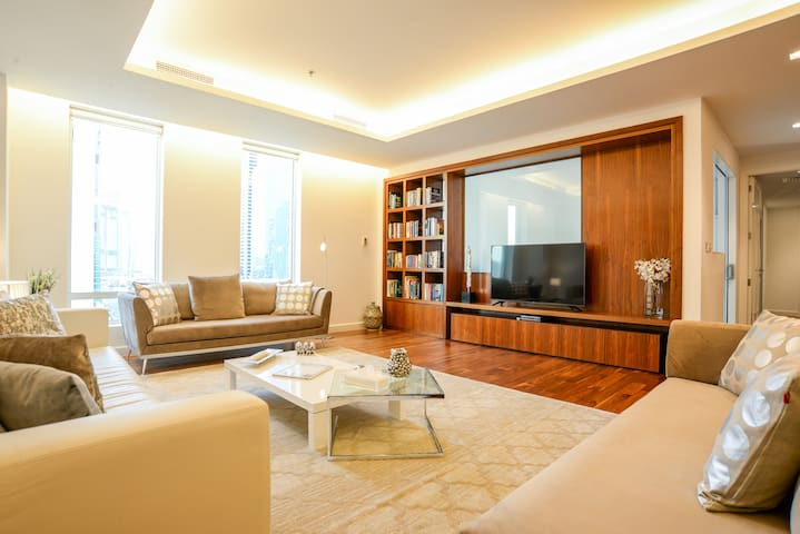 Luxurious and spacious 3BR in Limestone house DIFC