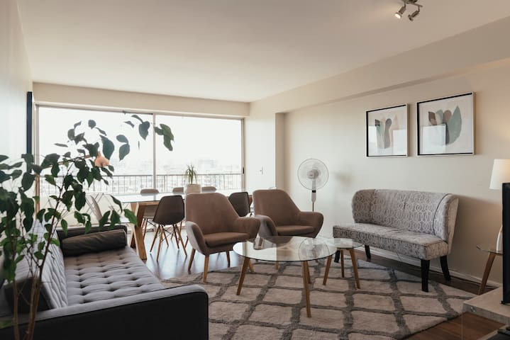 4-Bedroom Apt; nearby metro and malls