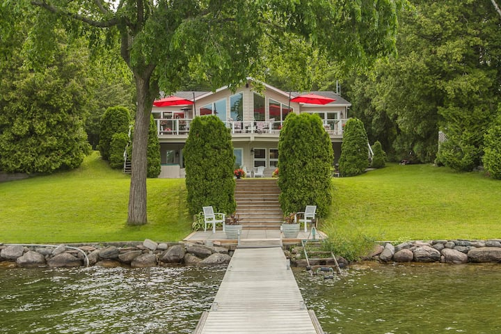 Simply Simcoe A fabulous Carthew Bay lakefront home