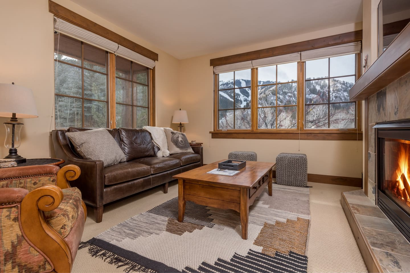 """Large Main Room with Baldy Views and 57"""" Smart T.V."""