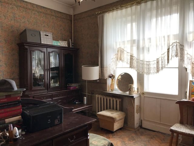 Гигантская светлая комната в центре столицы!