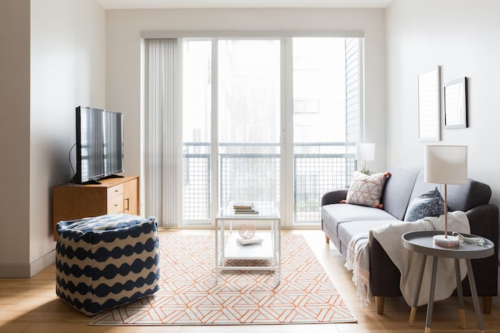 Sonder | Seaport District | Charming 1BR + Laundry