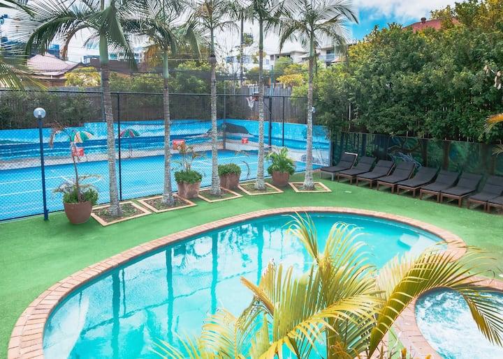 Brisbane Backpackers Resort: 4bed dorm - 2 people.