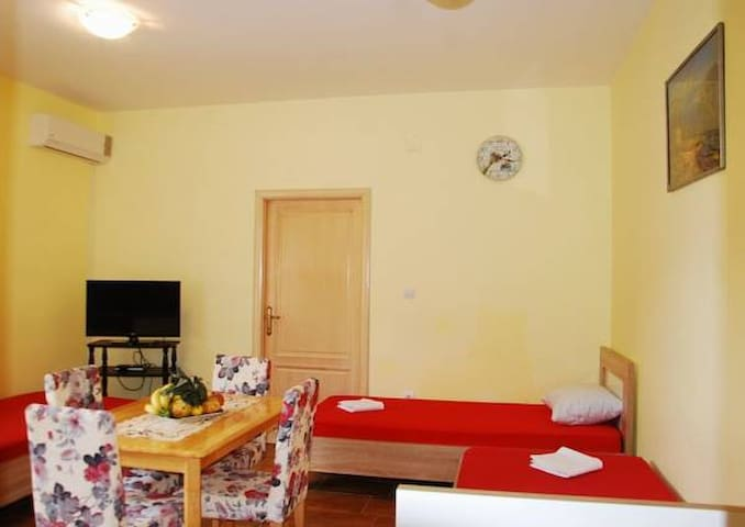 Family-friendly 200m from the beach - Becici - Apartment