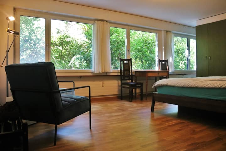 Central, quiet & safe apartment in a very hip area