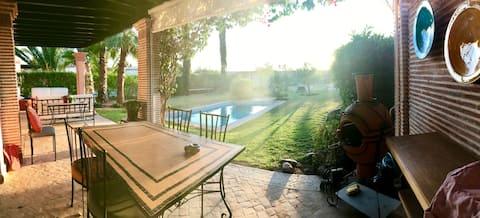 (14) Grande villa, piscine privée, à Dyar Shemsi