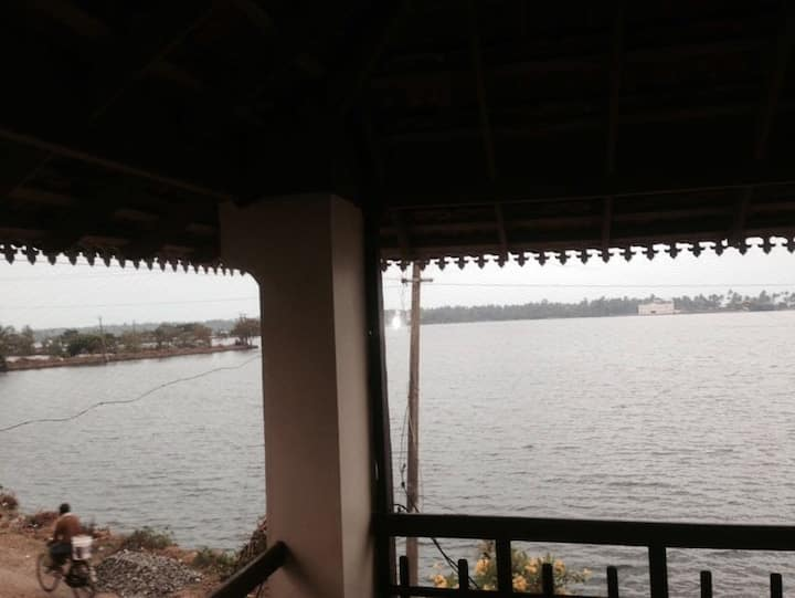 Room by the backwaters at Sunny Cherai