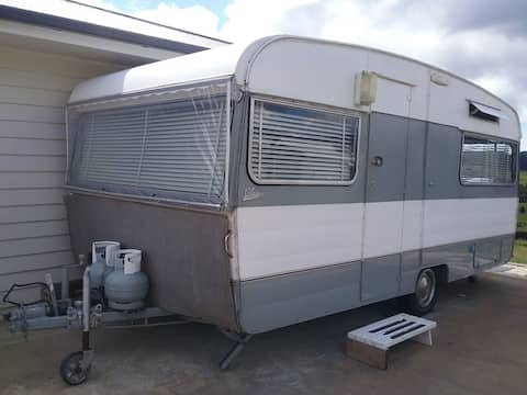 Lovely Comfortable Carvan With Country Views