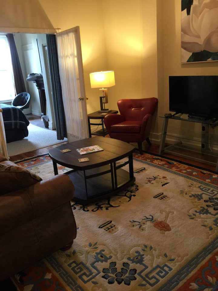 509 A - 2 bedroom DOWNTOWN apartment