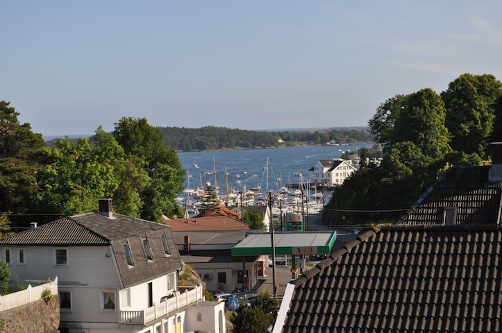 Familievennlig feriehus i Grimstad - Grimstad - Adosado