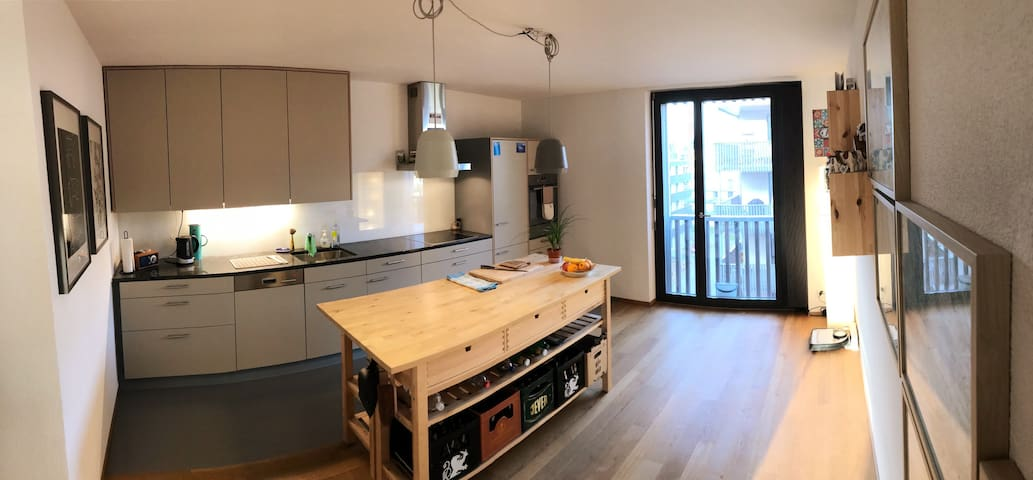 Large & Modern 1 Bedroom Flat in Wiedikon-Zurich
