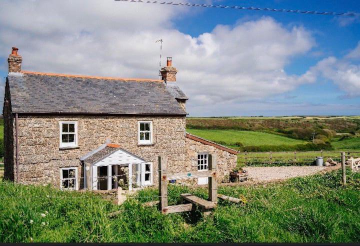 Idyllic Cornish cottage