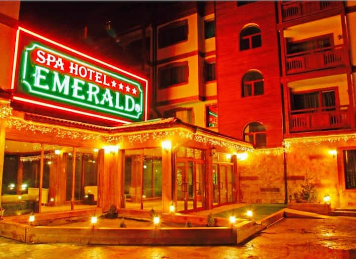 Emerald Ski and Spa apartement 4* Amazing Location
