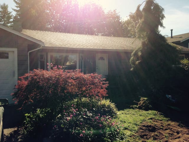 Family Home in Quiet cul-de-sac - 蘭利(Langley) - 獨棟