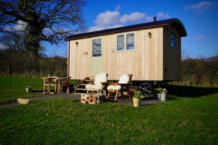 Maple - Little Ash Luxury Shepherd's Hut