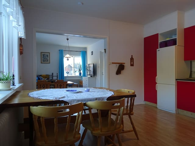 Comfortable apartment for 9 - Furudal - Huis