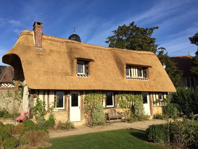 Lovely typical Normandy House - Le Mesnil-sur-Blangy - Huis