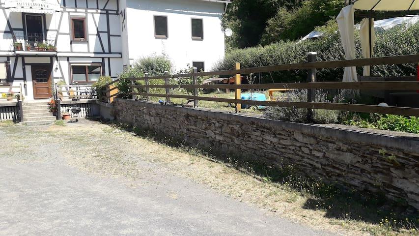 Ferienwohnung an Mühle  56370 Attenhausen
