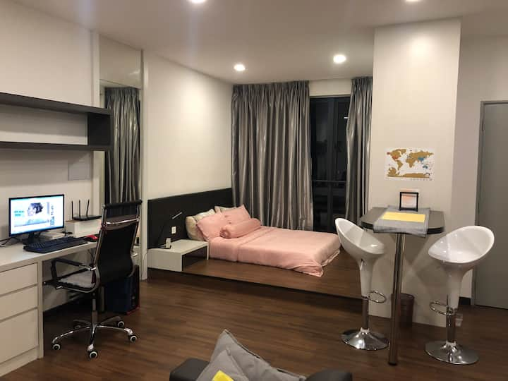 Cozy Studio Apartment Seri Kembangan