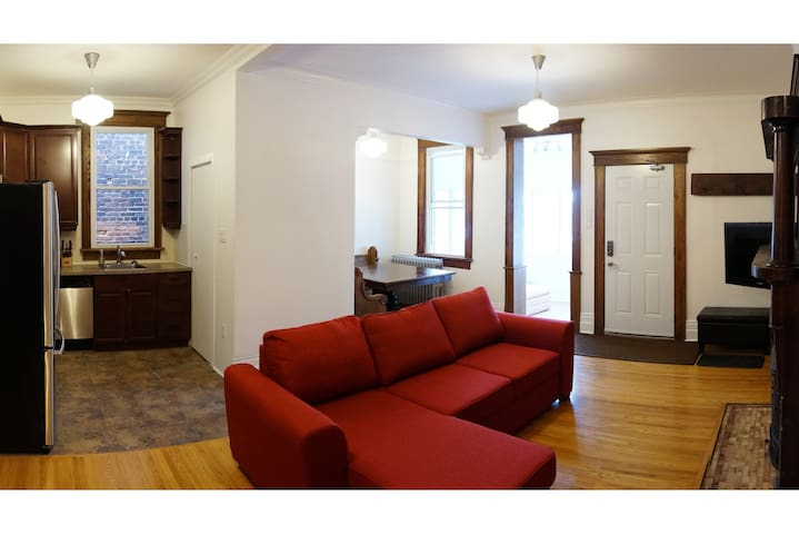 Spacious Second Floor Little Italy Apartment