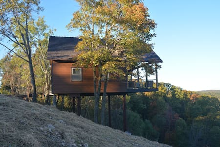 New just opened! Canyon View Treehouse - Jasper