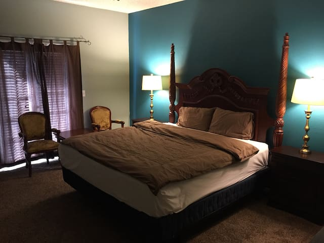 Master Deluxe bedroom with all amenities
