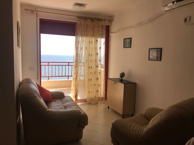 Living room, with sea view.