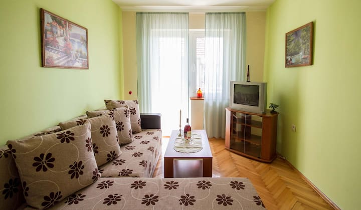1BR Apartment with Terrace and Sea View