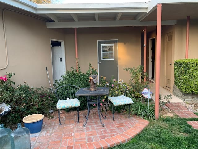 Private Space for Business Traveler in Claremont