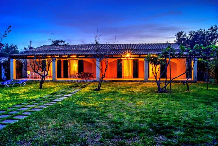 Messonghi 150 m² Seaside Villa - Mesoggi - House